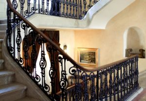 Château des Vigiers Hall escalier