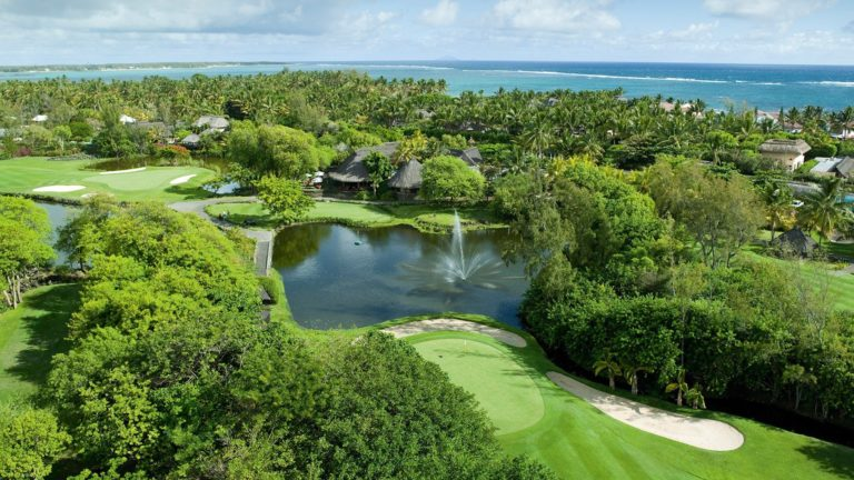 Constance Belle Mare Plage Le coin golf Golf Guide and hotel Golf holidays stay