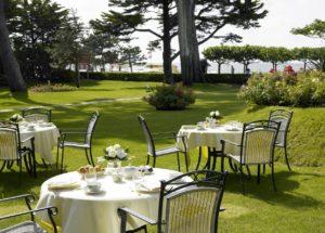 Le Castel Marie Louise terrasse exterieur bord de mer restaurant