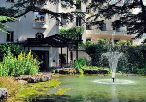 Le Grand Hôtel - Domaine De Divonne Entree de l'hotel