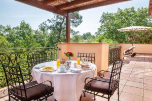 Terre Blanche Hotel Spa Golf Resort terrasse petit dejeuner