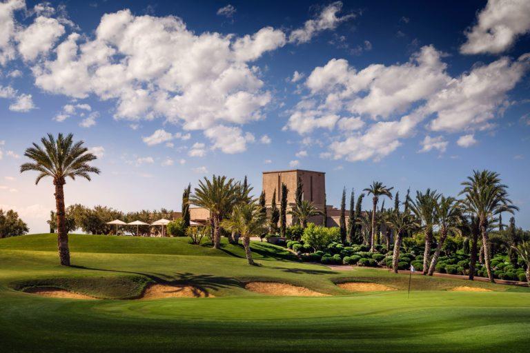 Assoufid Golf Club Marrakech, Maroc Palmier green ciel bleu parcours de golf