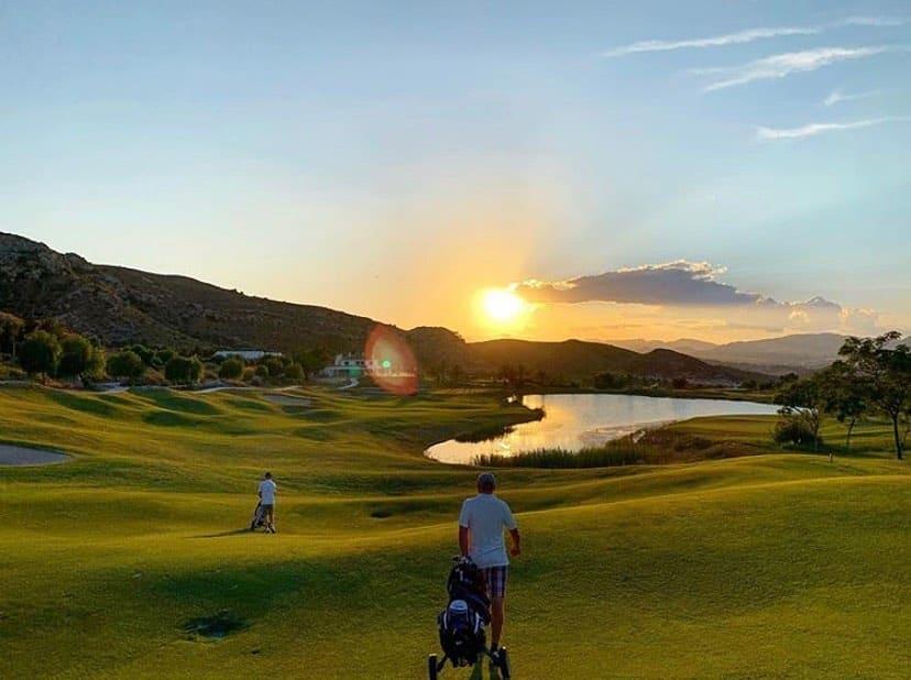 Font Del Llop Golf Resort Goolfeurs Jouer golf Espagne
