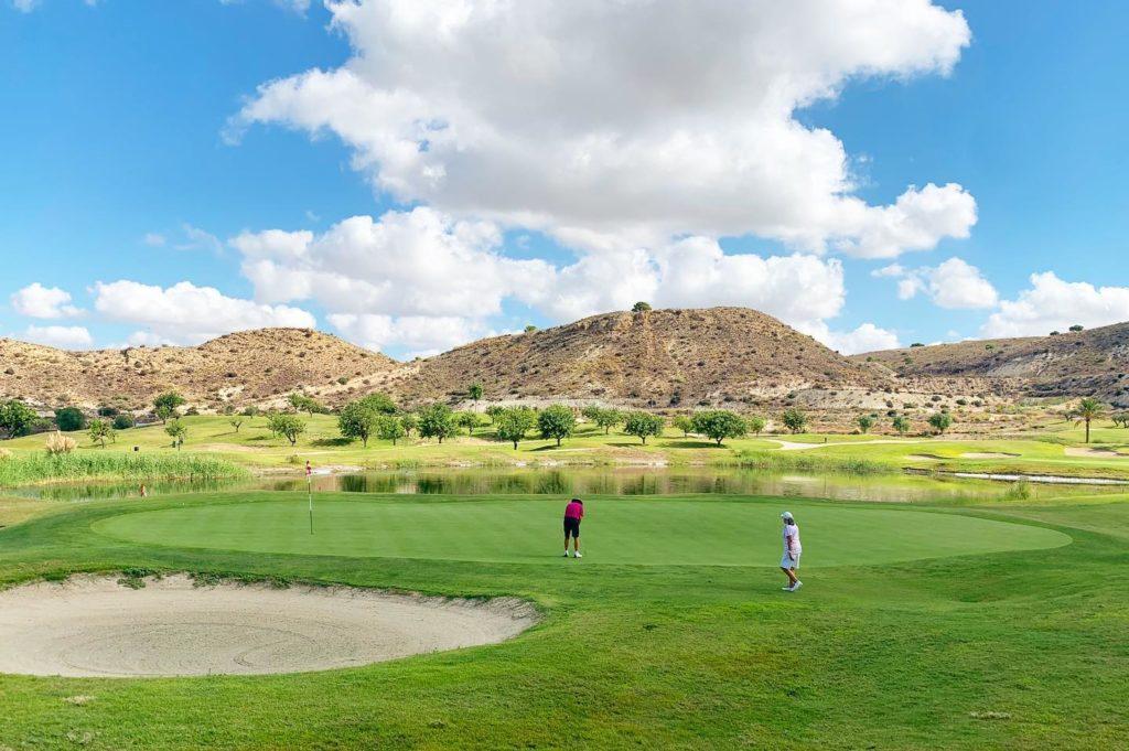 Font Del Llop Golf Resort Puuttting Goleurs Montagne Ciel Bleu