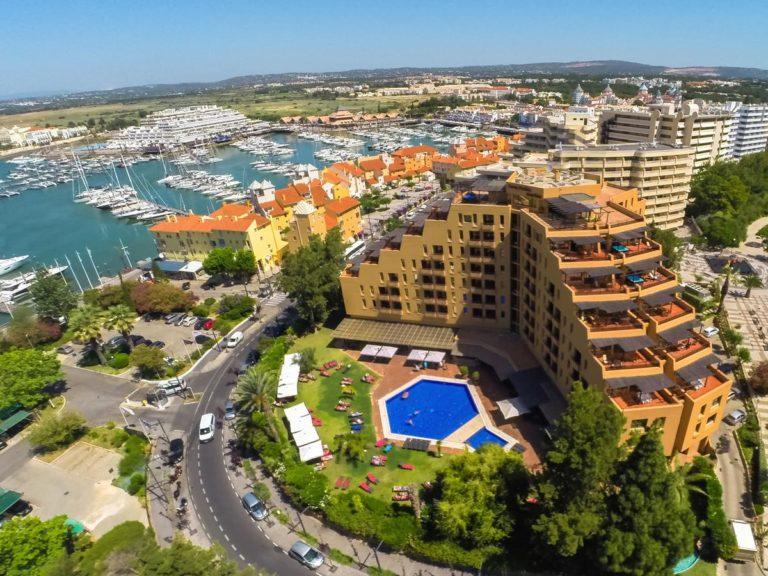 Hôtel Dom Pedro Marina Vue aerienne port
