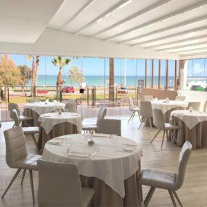 Hotel Meridional Salle de restaurant sur la mer