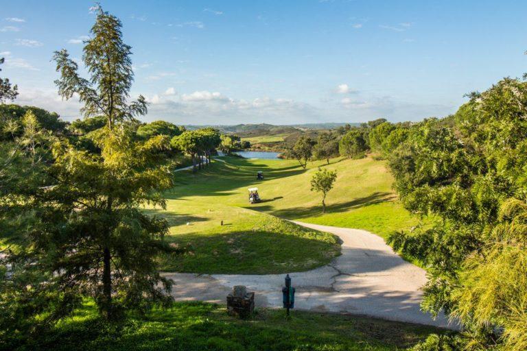jouer au golf en Algarve Castro Marim Golfe and Country Club green fairway bunker