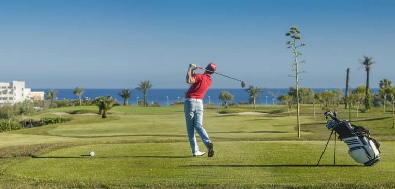 Alborán Golf golfeur swing drive