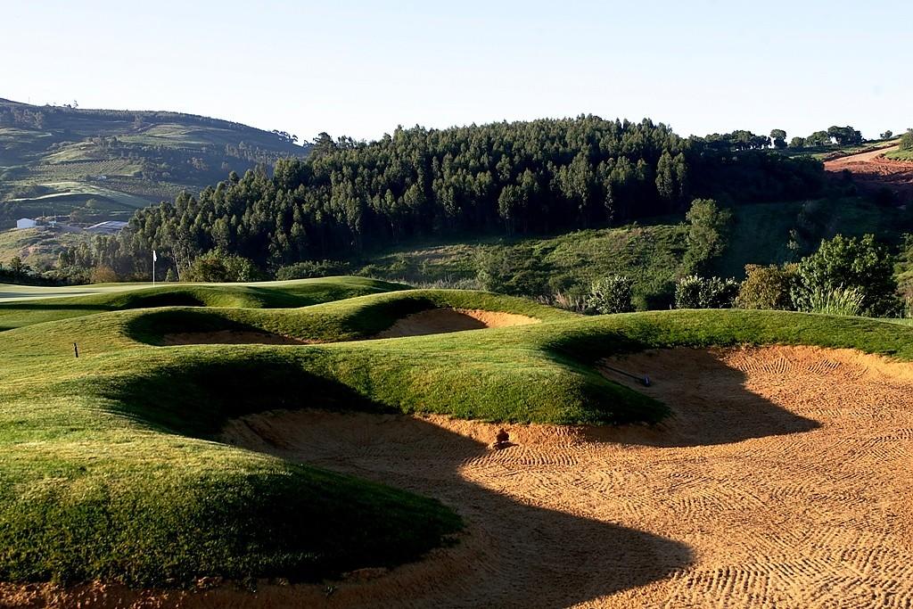 green fairway bunker parcours de golf 18 trous