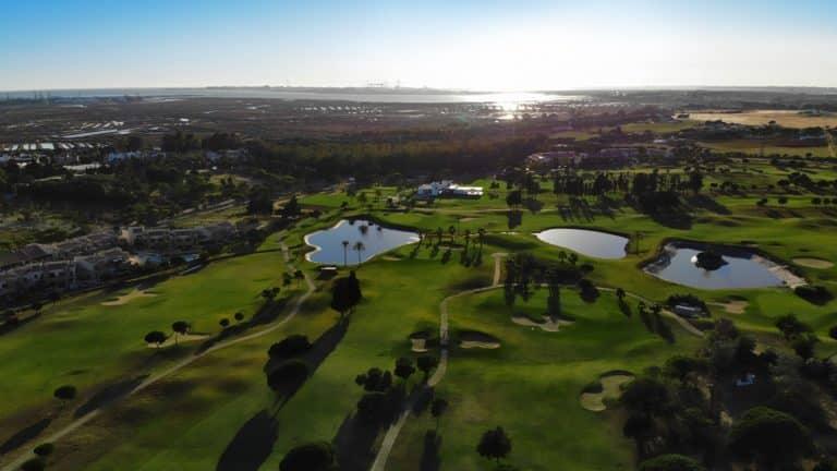 VillaNueva Golf vue aerienne du parcours de golf 18 trous