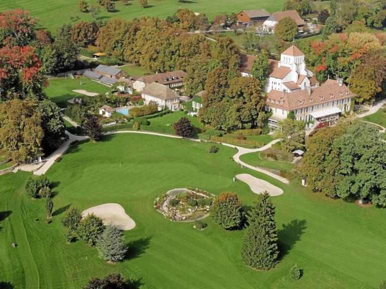Hôtel Château de Bonmont Parcours de golf 18 trous vue aerienne
